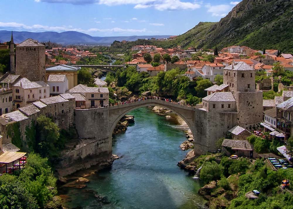 Over the Frontline: The Other Face of Mostar, Bosnia ...  Over the Frontl...