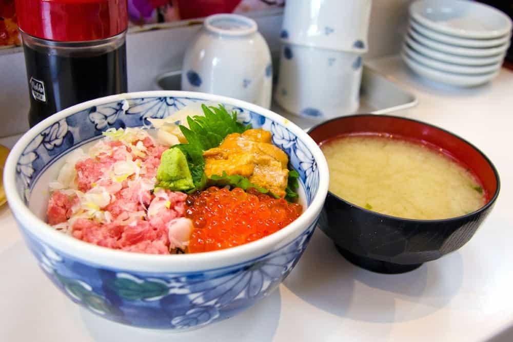 Sushi Breakfast at Tsukiji Fish Market in Tokyo